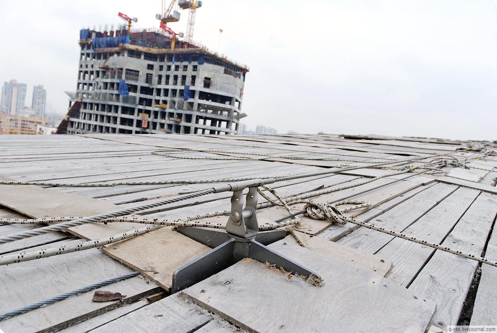 http://photo.metroblog.ru/lj/37_2010-04-27/mall_roof_05_big.jpg