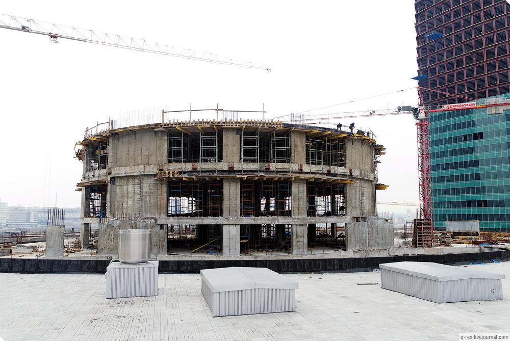 http://photo.metroblog.ru/lj/37_2010-04-27/mall_roof_06_big.jpg